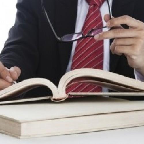 Trzy czwarte Polaków ocenia koszty usług prawniczych jako bardzo wysokie