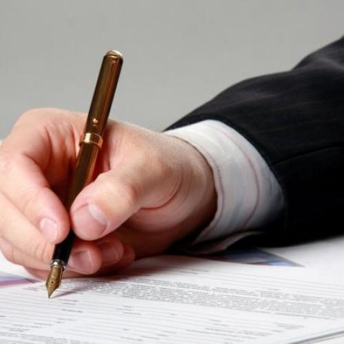 Czy umowa o pracę gorsza od umowy cywilnoprawnej?