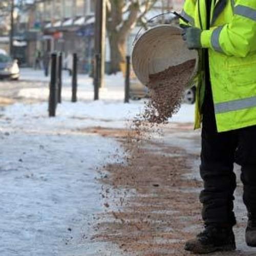W jaki sposób karać za zaśnieżony chodnik?