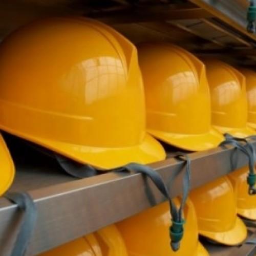 Liczba wypadków przy pracy rośnie, coraz mniej jest jednak zdarzeń śmiertelnych