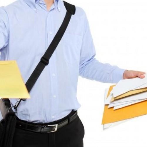 Jak dostarcza się pisma sądowe?