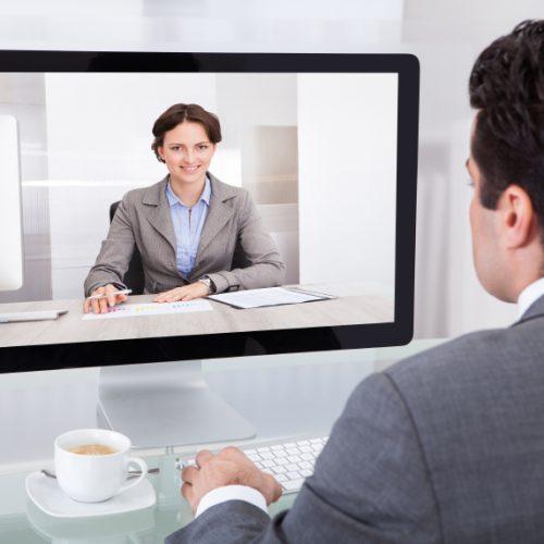 Ubezpieczyciele chcą komunikować się z klientami online