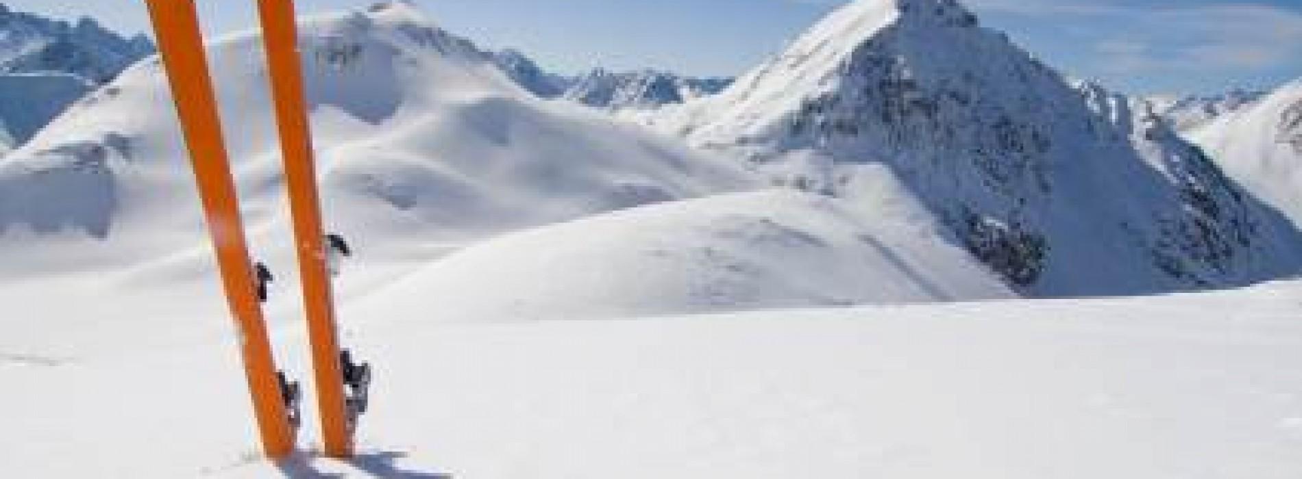 Ubezpieczenie na narty i snowboard – na co warto zwrócić uwagę?